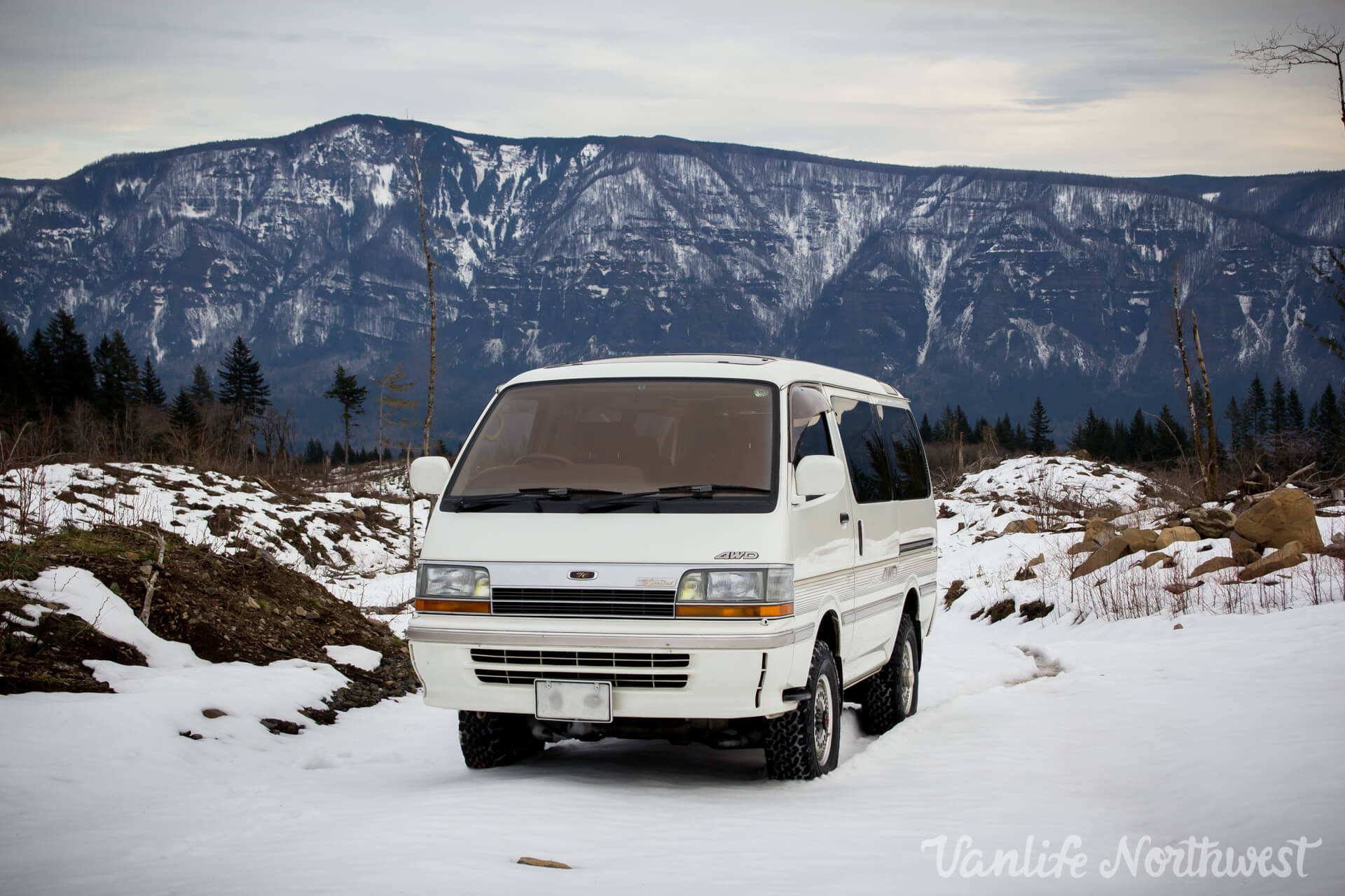 1992 TOYOTA HIACE SUPER CUSTOM LIMITED 4WD — Vanlife Northwest