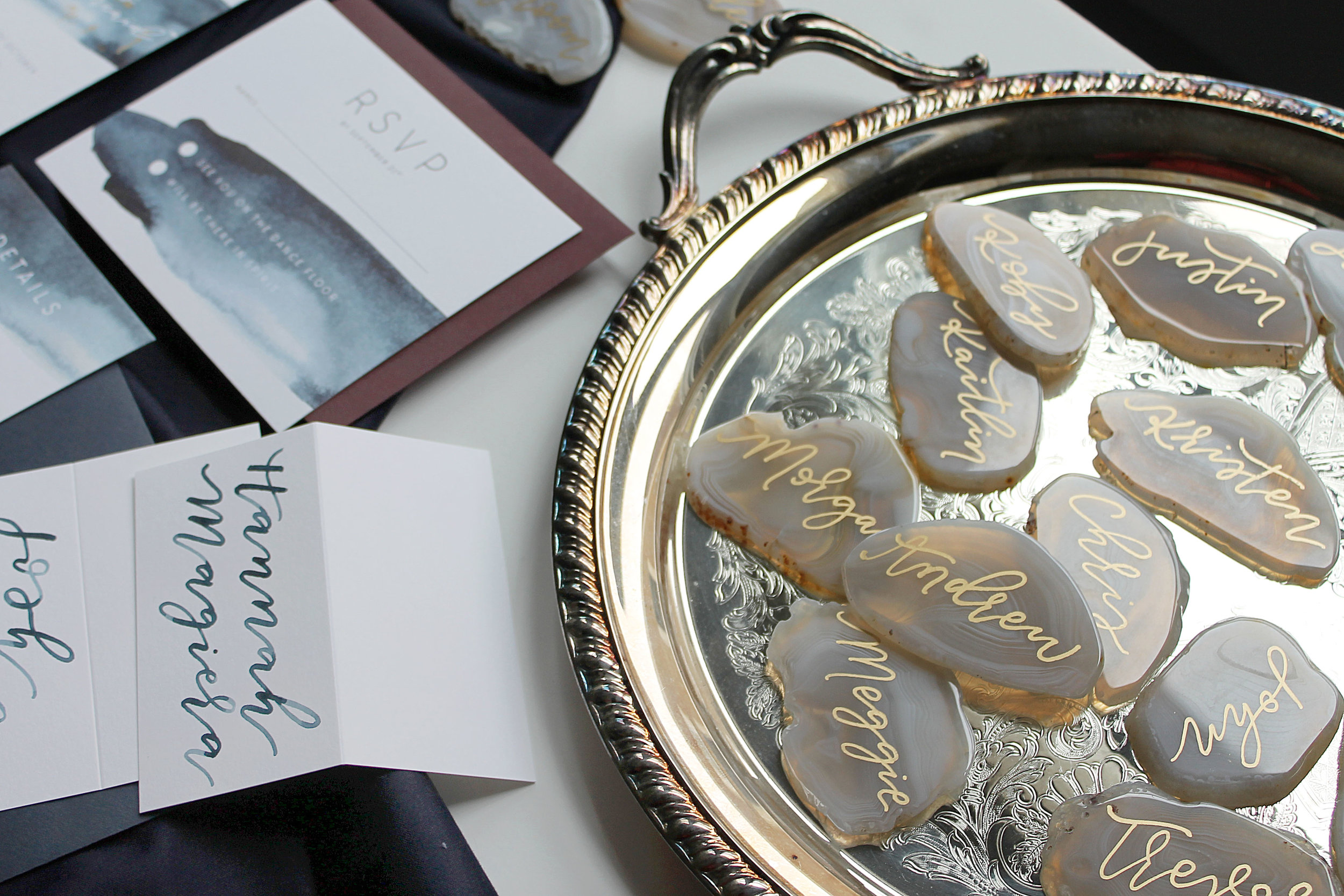 agate-inspired-place-cards