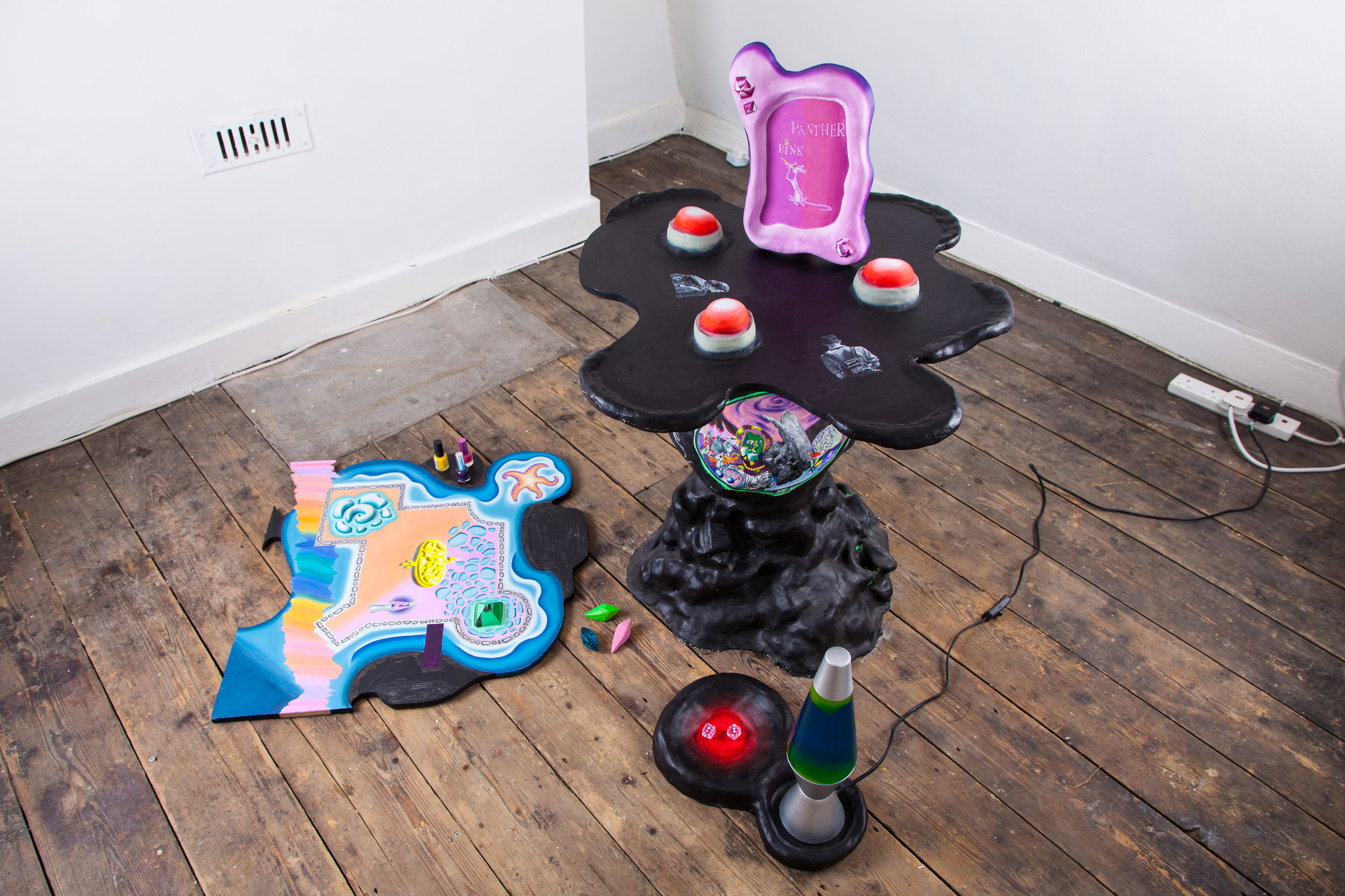 Daniel Burley, Norridge Portal, 2017, Sculpture, Panther Pink frame, lava lamp, dices and wooden board, variable dimensions. Photograph by Ekphrasis © dateagleart 2018.
