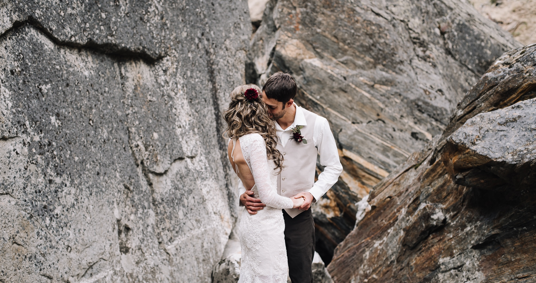 What is an Adventure elopement? - A wedding celebration in the great outdoors that is 100% focused on you