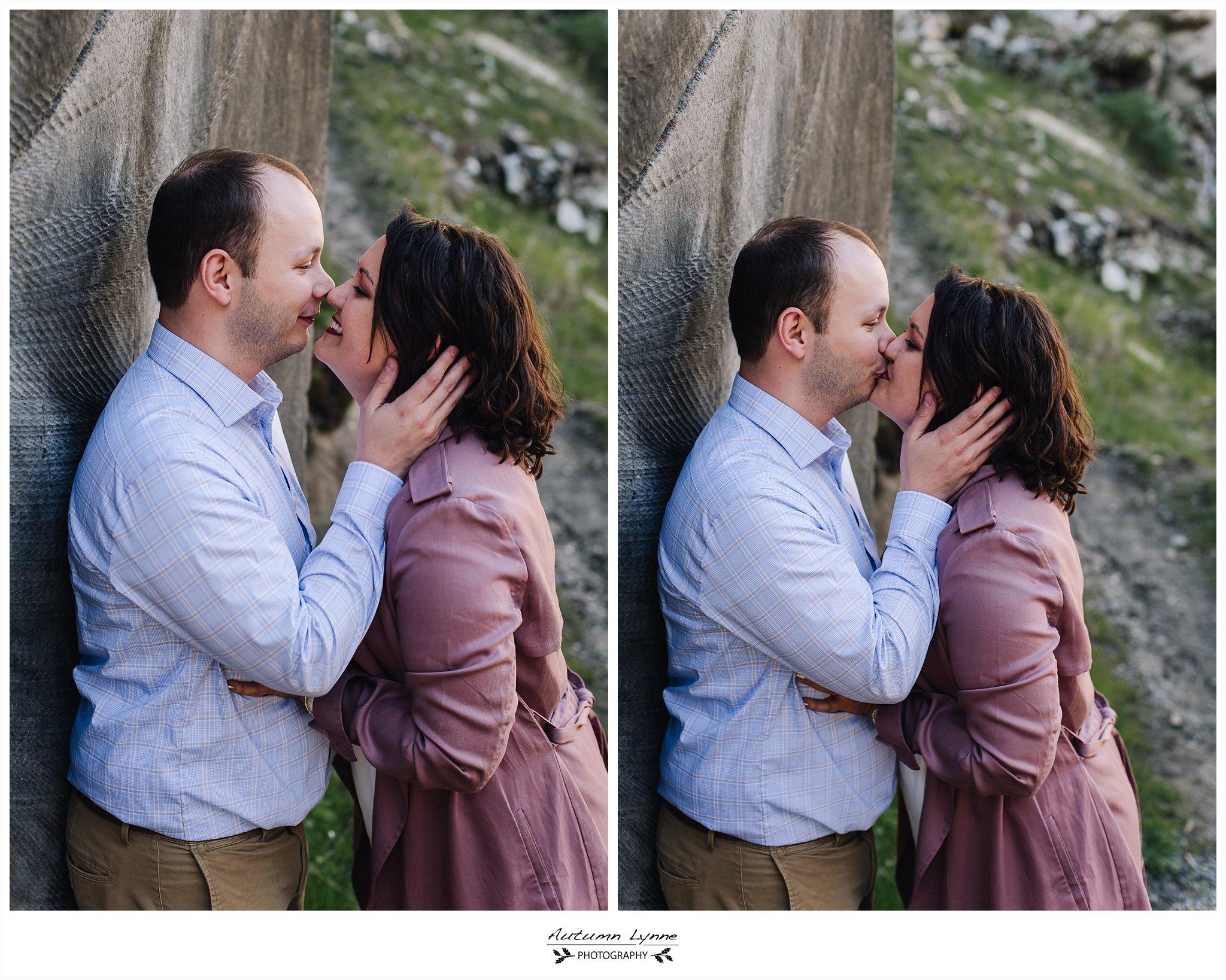 McCall-Idaho-engagement-photographer-couple-kissing.jpg