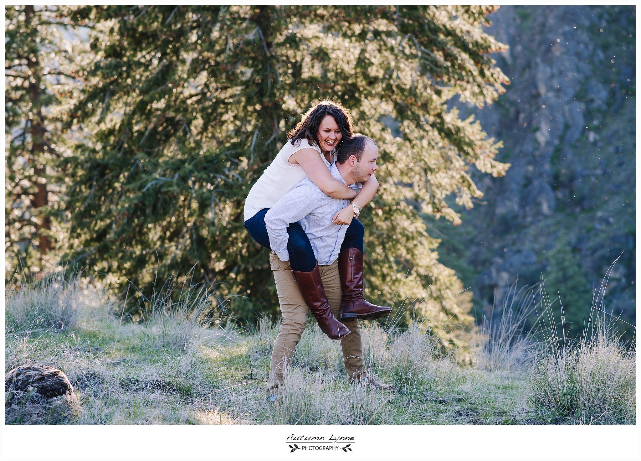 McCall-Idaho-engagement-photographer-couple-smiling.jpg