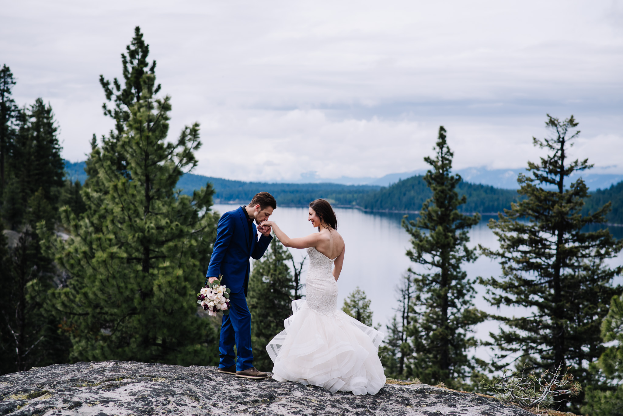 McCall-Idaho-Wedding-photographer-couple-with-lake-background.jpg