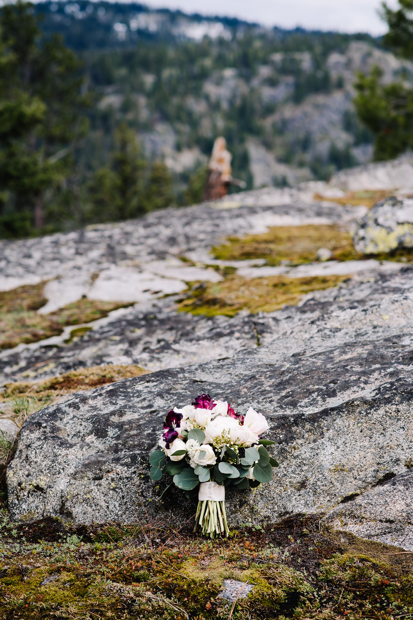 McCall-Idaho-wedding-florist.jpg