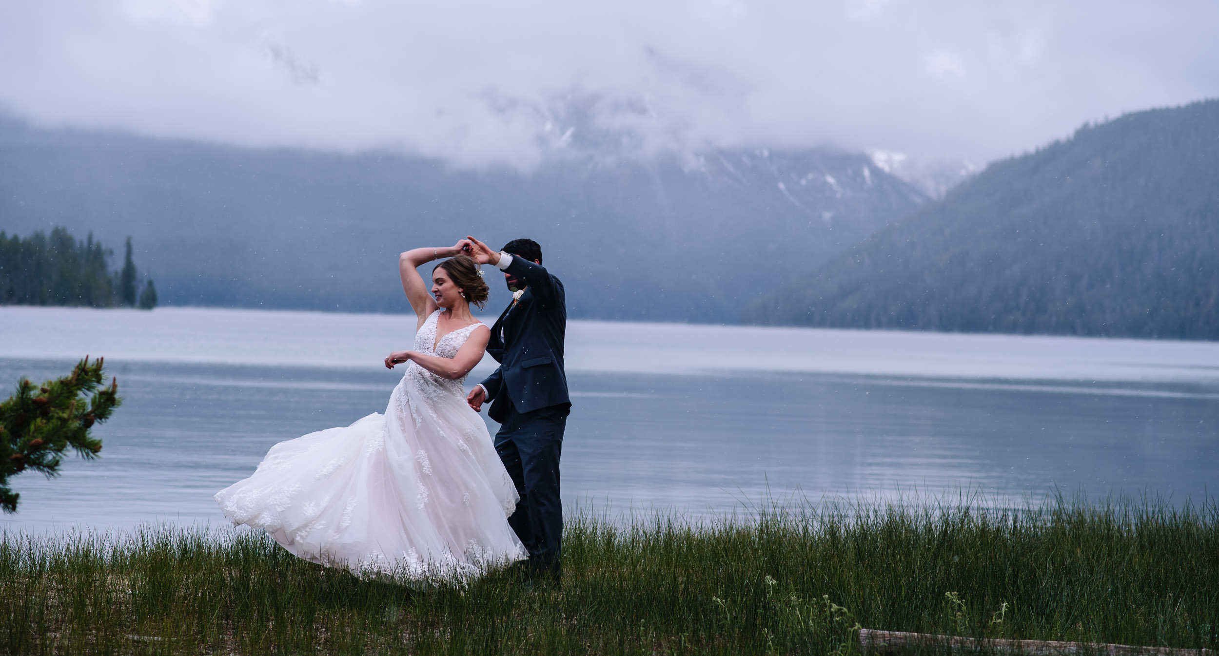 What is an Adventure Elopement? - A wedding celebration in the great outdoors that is 100% focused on you.