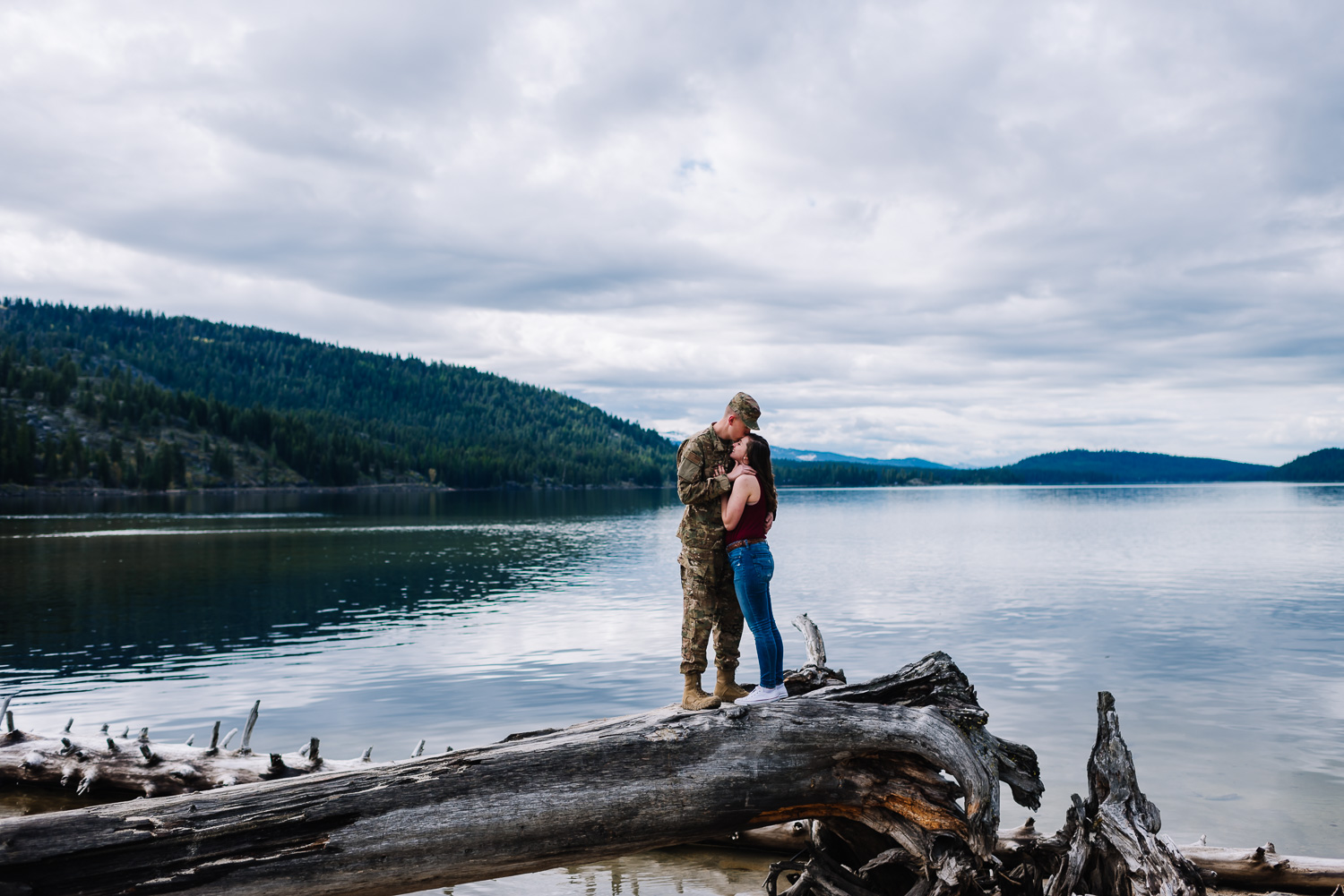 Mcall-idaho-engagement-photographers-couple-by-lake.jpg