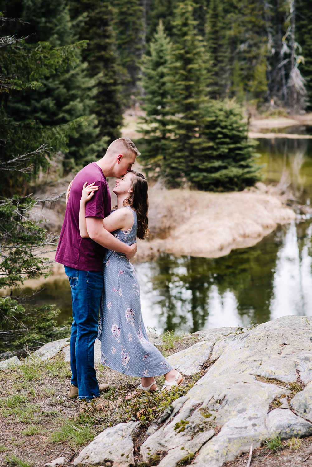 Idaho-adventure-elopement-couple-standing-by-river.jpg