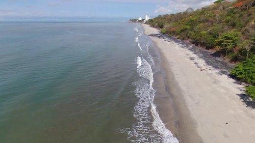 200 hour yoga teacher training retreat near the beach