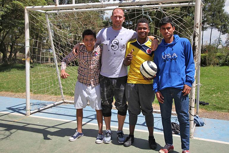 sethmode-soccer-colombia-02.jpg