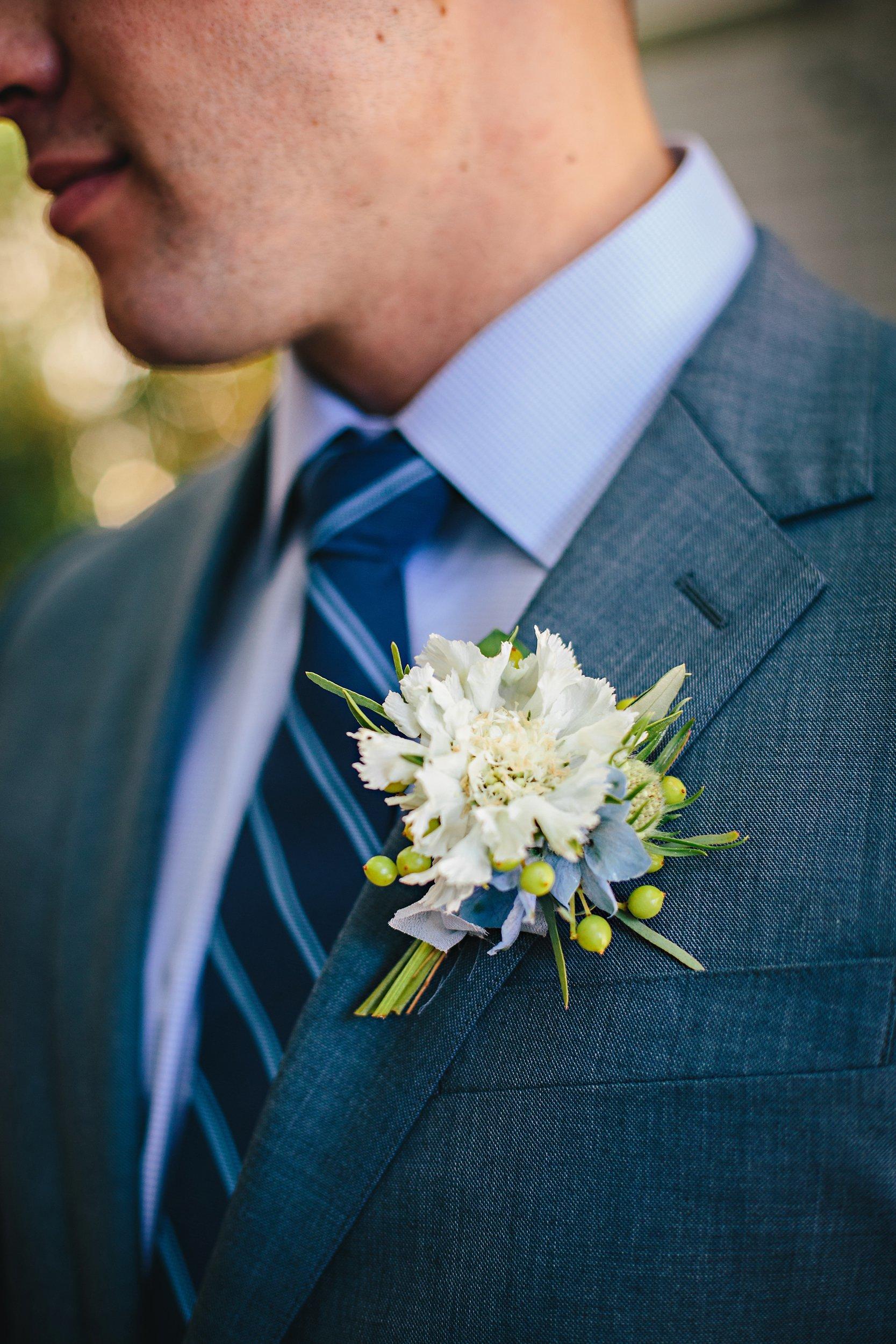 Copy of Summer Garden Wedding: Groom Boutonniere