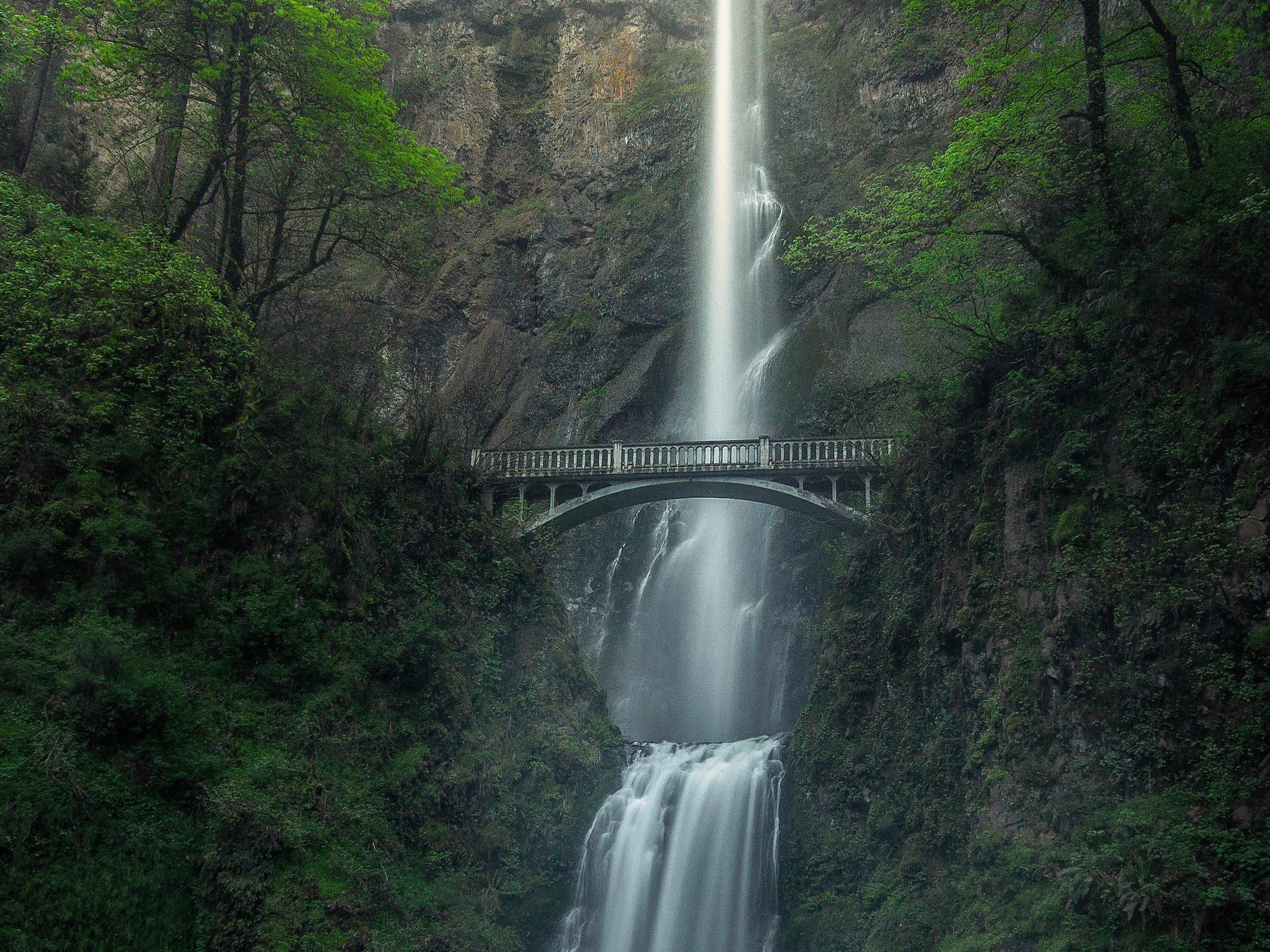 bridge-cascade-long-exposure-1699574.jpg