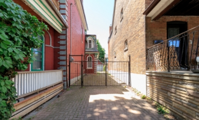 40 Beaconsfield Ave 11.png