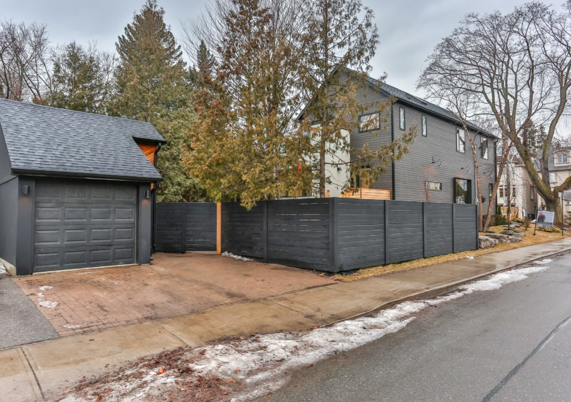 257 Manor Rd E 67.png