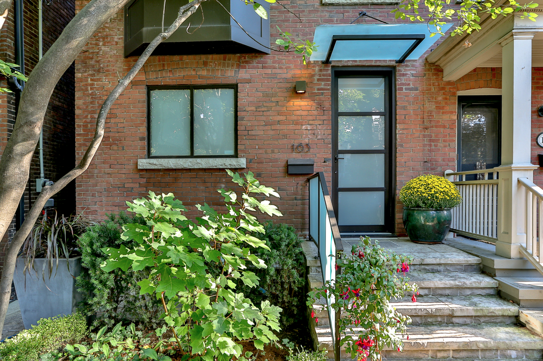 163 MacPherson Ave 2.png