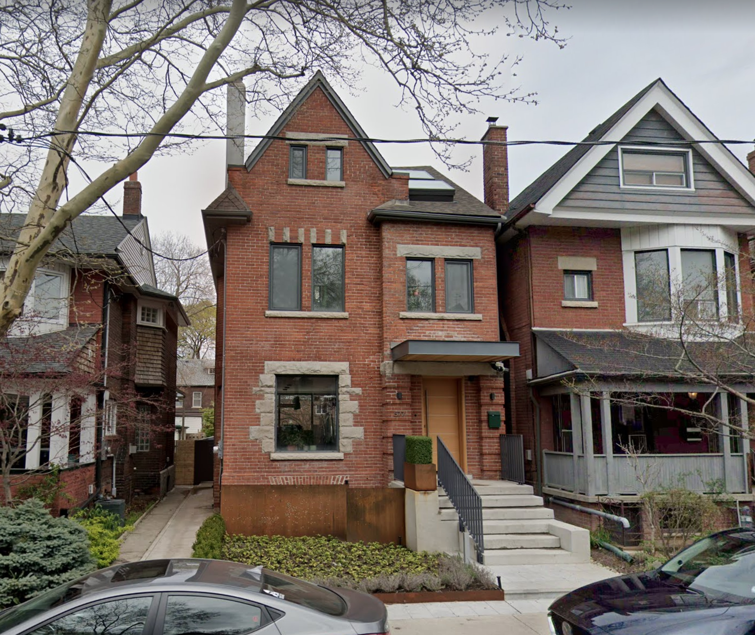577 Dovercourt Rd 1a.png