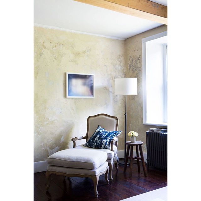 Texture upon texture; a #design golden rule. Original plaster walls and a @monteith.matthew photograph set the backdrop for a family-friendly #hudsonvalley home | @karenpearsonphoto
