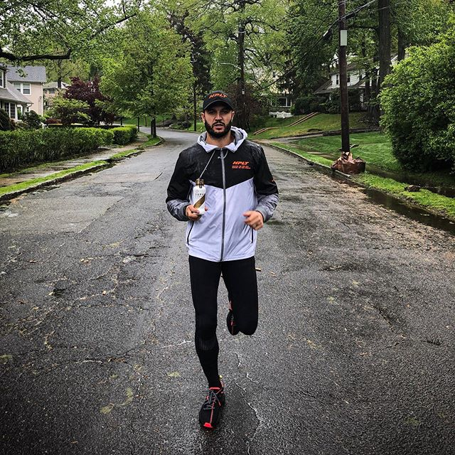 Since I've been complaining and being a certified baby I figured it only made sense to run outside today and the whole I thought man @davidgoggins would be crushing me right now. One of our main partners for our @hpltraining weekend is @drinksupercoffee! We couldn't be more excited to have this phenomenal brand be our energy all weekend long, and they are generous enough to give away 2️⃣ Speaker Series Tickets, and a year supply of SUPER COFFEE. All you have to do is follow @drinksupercoffee @hpltraining and tag a friend! Tomorrow we will be selecting two winners! #hplt #mazza #bmazzfit #fitness #fitnessmotivation #goggins #davidgoggins