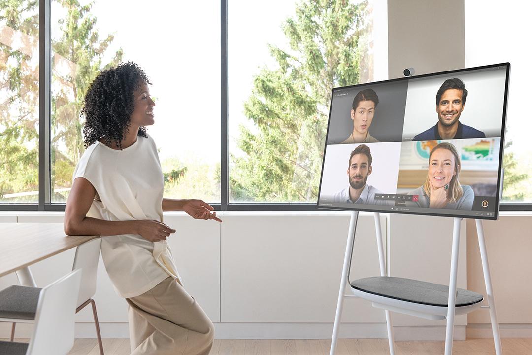 Microsoft-Surface-Hub-2S-Teams-Meeting.jpg