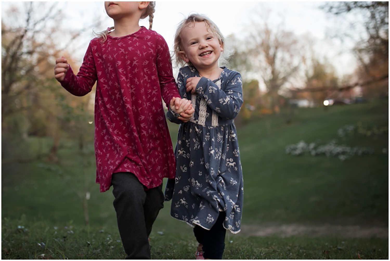 Rochester NY Family Photographer, sisters holding hands running together