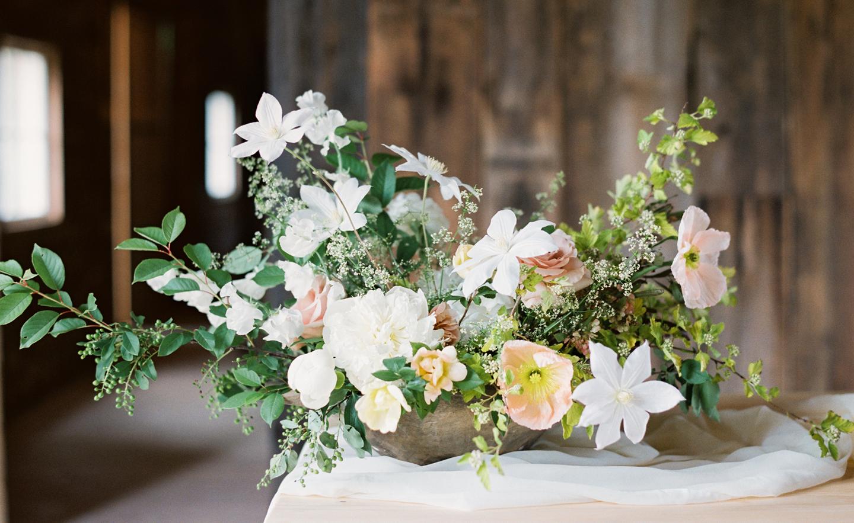 Hayfield-barn-wedding-venue-venues-catskills-spring-floral-flowers