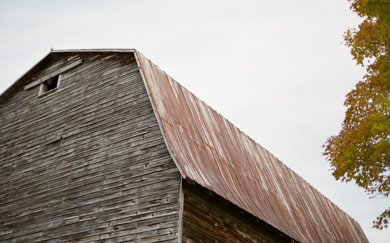 Hayfield-barn-wedding-venue-catskills-fall-outdoor-rustic-2