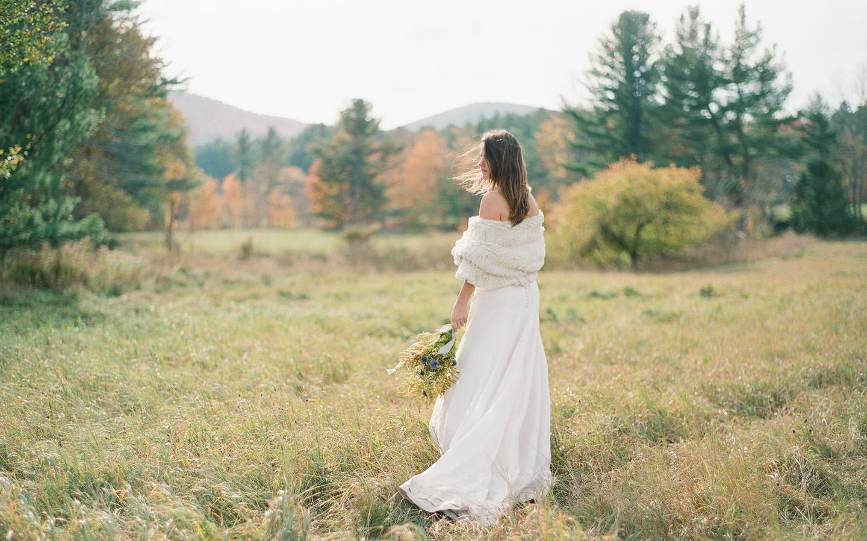Hayfield-barn-wedding-venue-venues-catskills-fall-outdoor-ceremony-rustic-1
