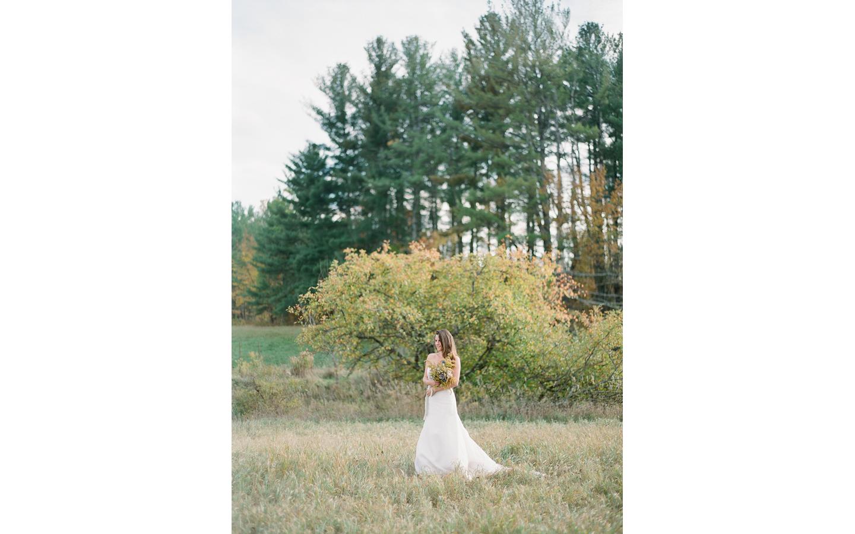 Hayfield-barn-wedding-venue-venues-catskills-fall-outdoor-ceremony-13