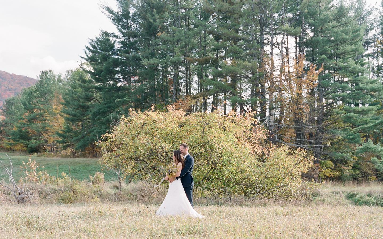 Hayfield-barn-wedding-venue-venues-catskills-fall-outdoor-ceremony-14
