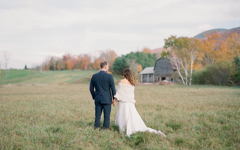 Hayfield-barn-wedding-venue-catskills-fall-rustic-farm-wedding