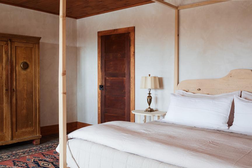Minwawa_Bedroom_Bridal_Suite_072.jpg