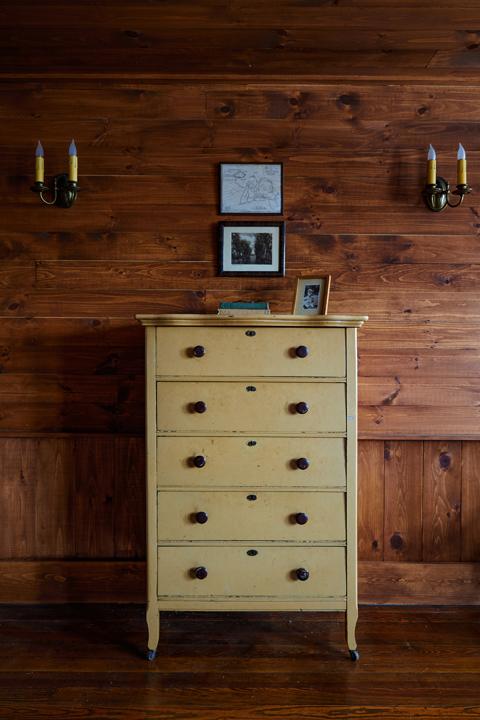 Minwawa_Bedroom_Wood_040.jpg
