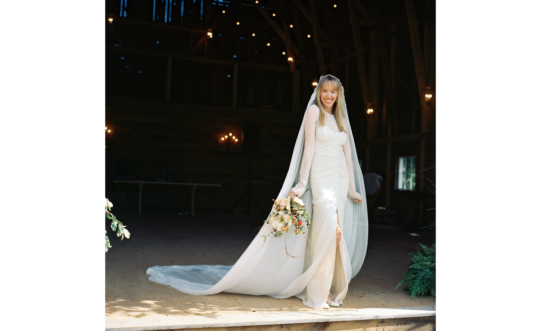Hayfield-barn-rustic-outdoor-wedding-venue-venues-catskills-summer-chic-3