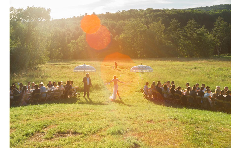 Hayfield-barn-harpers-bazaar-outdoor-wedding-venue-venues-catskills-summer-chic-3