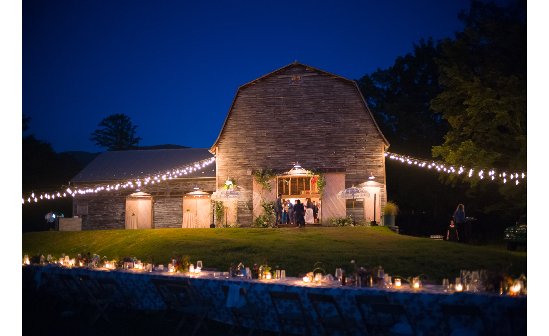 Hayfield-barn-harpers-bazaar-outdoor-wedding-venue-venues-catskills-summer-chic-9