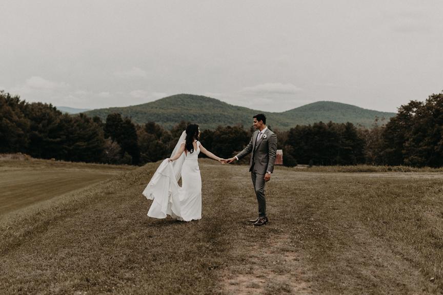 Hayfield-catskills-barn-wedding-weddings-venue-outdoors-upstate-best-top-rustic-trendy-hipster-3