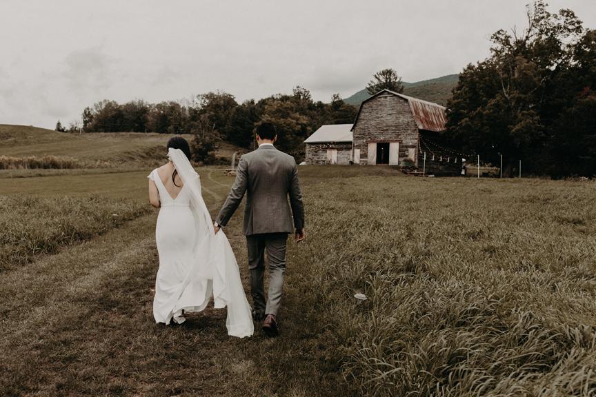 Hayfield-catskills-barn-wedding-weddings-venue-outdoors-upstate-best-top-rustic-renovated-barns-outdoor-1