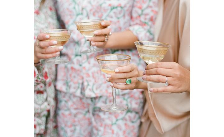 Hayfield_Catskills_rustic-barn-wedding_drinks.png