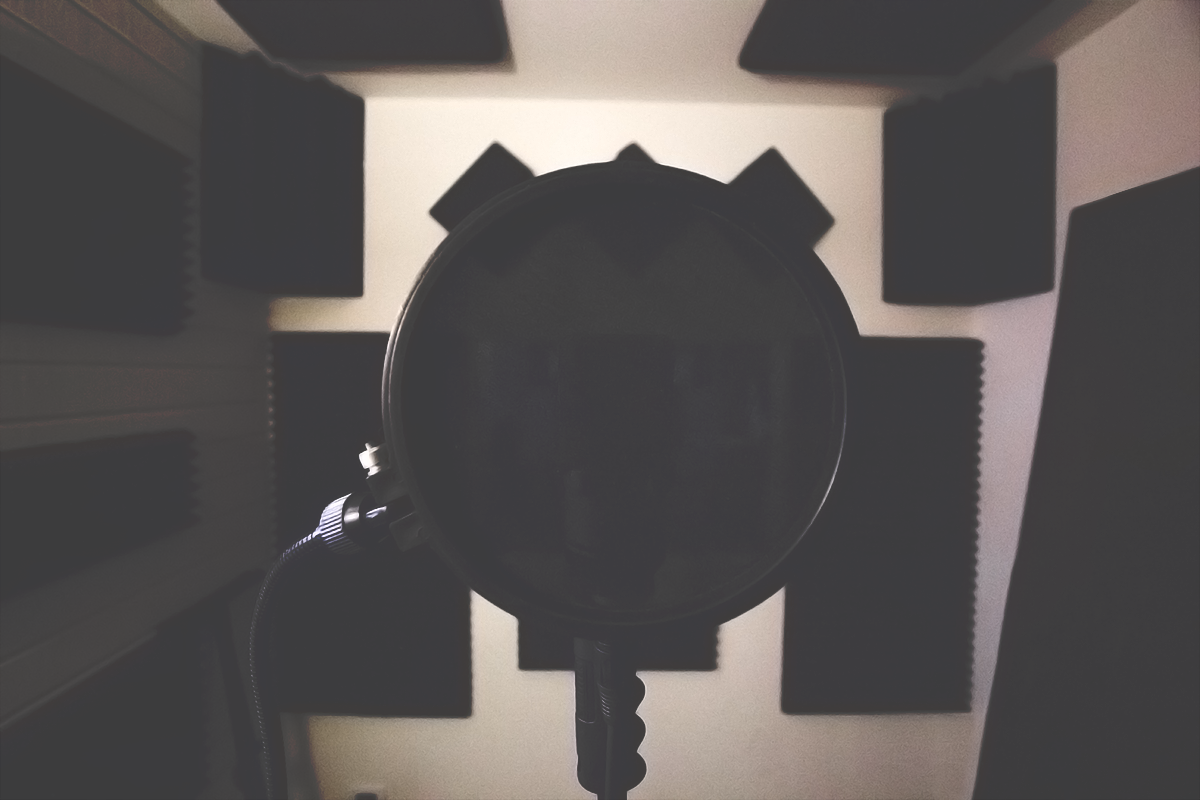 Vocal Booth - Mic - Pop Filter