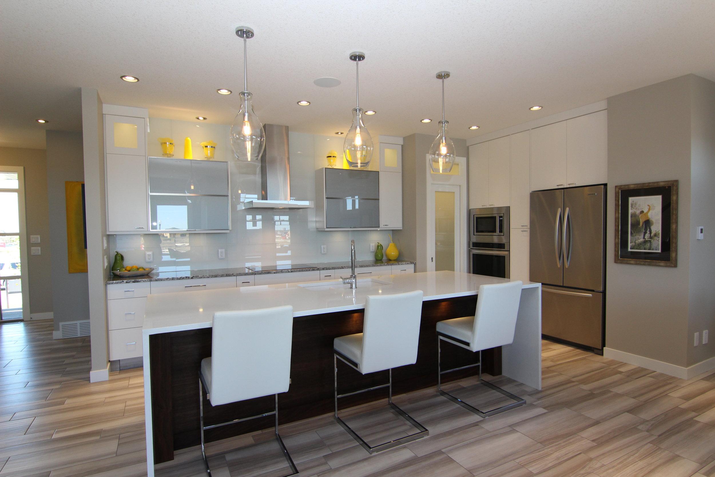 5286 Aviator Crescent (10) - Kitchen.JPG