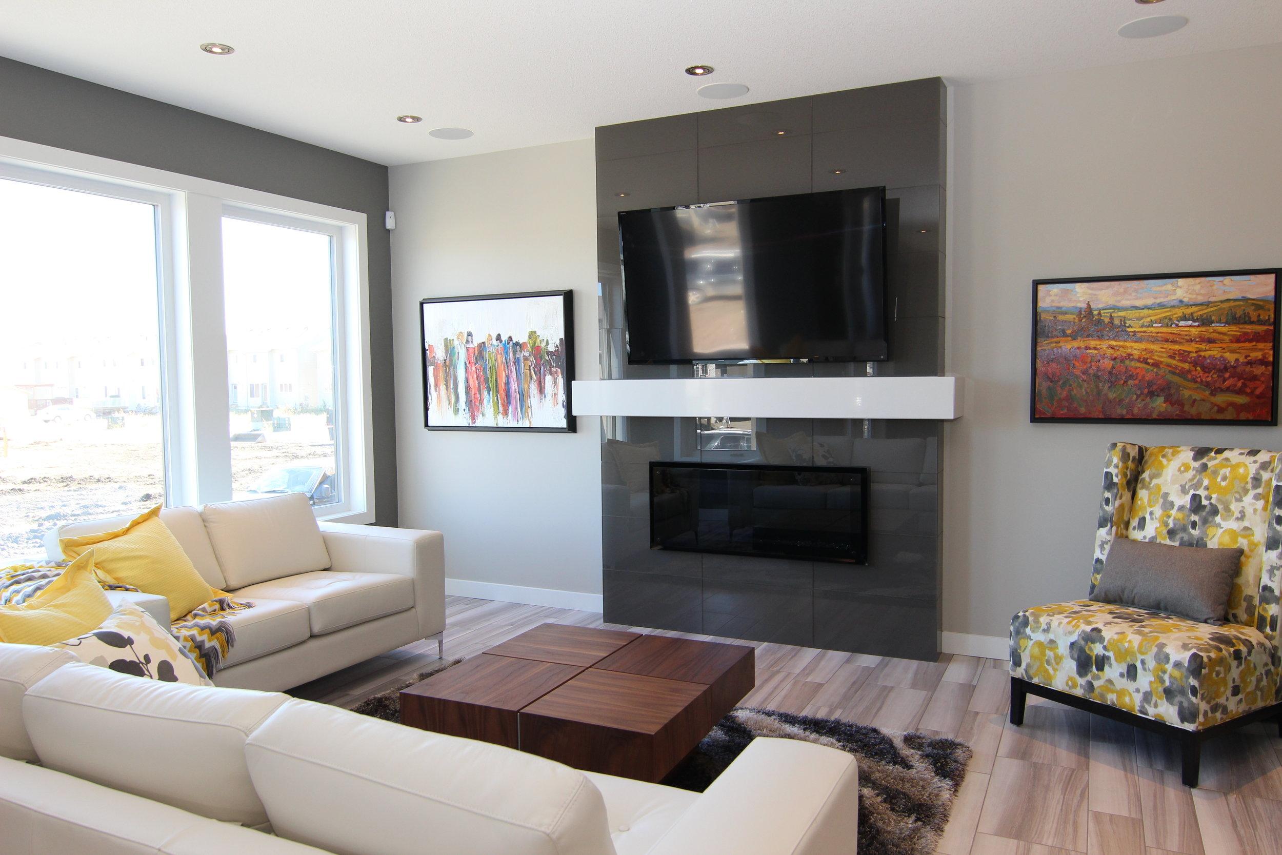5286 Aviator Crescent (34) - Living Room.JPG