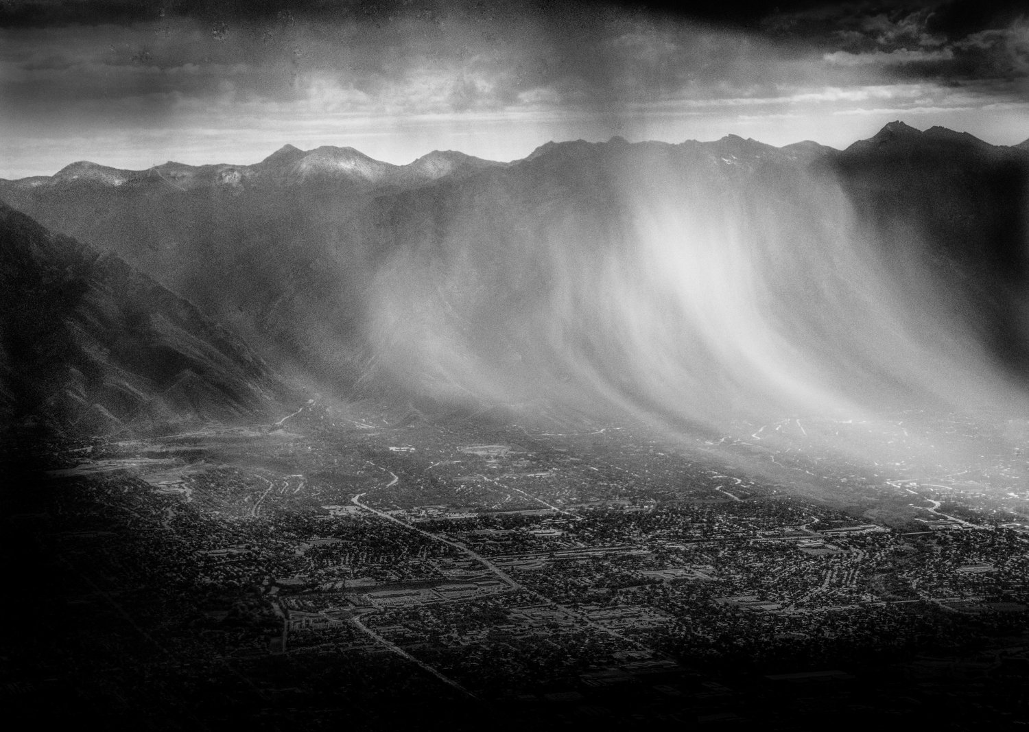 Rainstorm over Salt Lake Valley, Utah © Robert Welkie 2016