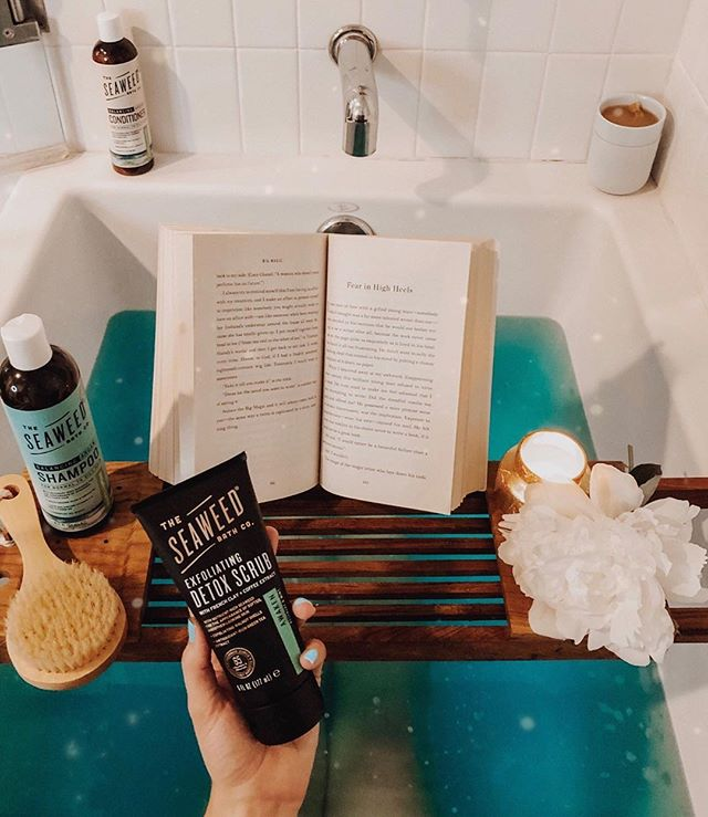 The dreamiest bath situation we've ever seen 😍⠀ .⠀ 📸 :: @dancing.for.donuts⠀ .⠀ .⠀ .⠀ ⠀ #theseaweedbathco #seaweedbathco #seaweedselfcare #naturalbeauty#pampering #greenskincare #oceaninspiredbeauty #seaweedlove⁣⠀ #seaweed #veganbeautyaddict #veganbeautyproducts #veganbeautyaddict #ecobeautywellness #ecobeautyblogger #crueltyfreecosmetics #crueltyfreeskincare #leapingbuddyvertified ⁣⠀ #leapingbunnyapproved ⁣⠀