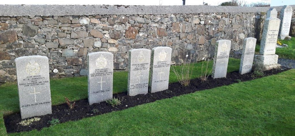 CWGC plot in Bowmore New Parish Churchyard