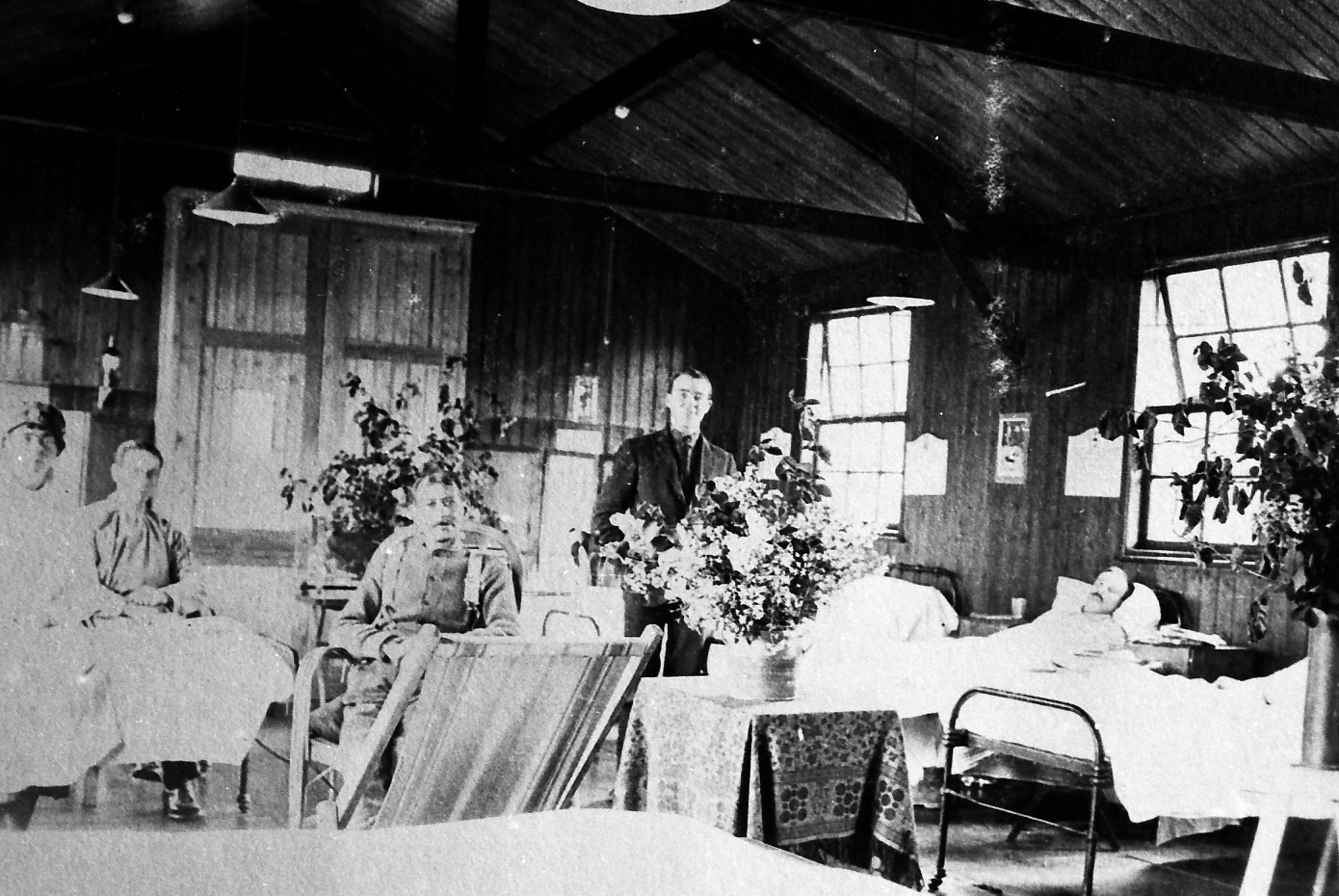 Images from the Goodland collection of the early days of the IWGC - scanned and enhanced by Chris Lofty from Negatives held in Media section of the CWGC; Patients in a Hospital