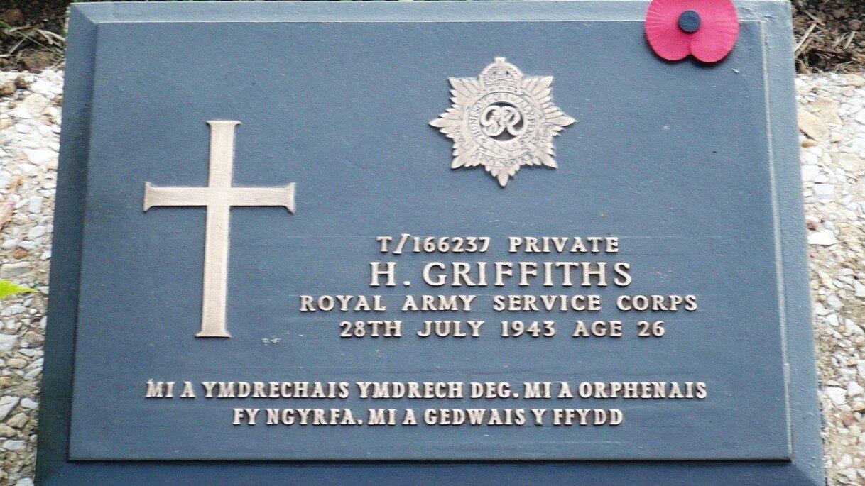 v2 CasID 2089853 Hywel Griffiths 16 25959  Headstone Documents - Headstone Photos - B4.B.07.jpg