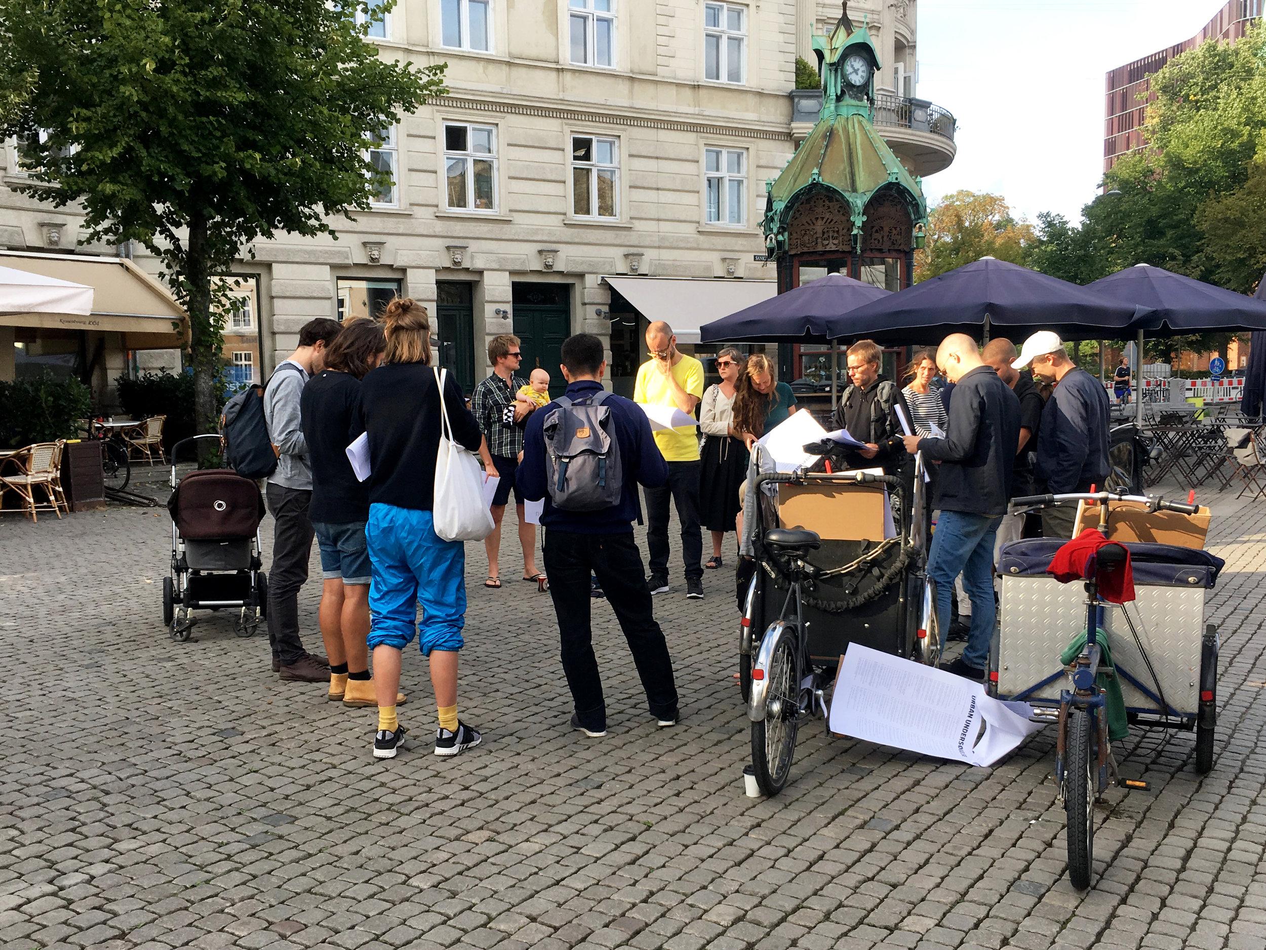 Frisk Flugt - Urban Undersøgelse, public reading at Sankt Hans torv, 2018