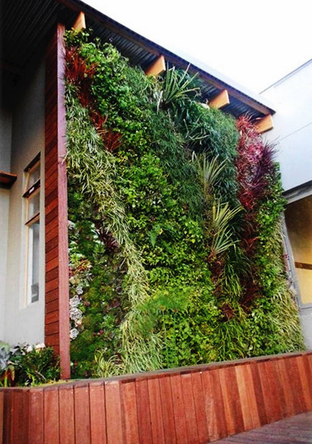 Lush Vertical Garden Living Room Design