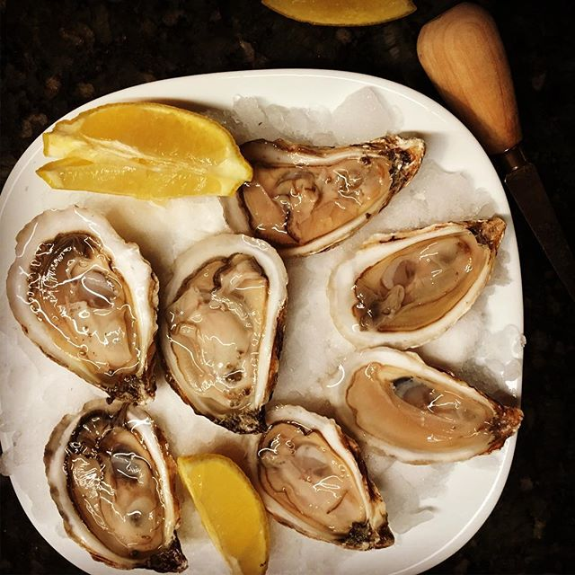 Oysters - they are great for the environment and for you too. Oysters provide a ton of minerals and vitamin B12 too. Delicious Saturday evening treat... and just the beginning of a seafood rich meal. @whalesbonecatering  #replenishnutrition #sustainableseafood #oysters #livewelleatwell #nomnom #treatyoself #seafood