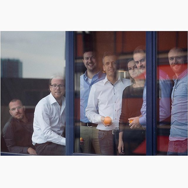 Group/management portrets of your business shouldn't be dull or stiff. #throwback to this MT portrait @bungalowspecials . . . . . #businessprofile  #websitesessies #websitefotografie #websitephotography #lifestylefotografie #lifestylephotography #fotograafhaarlem