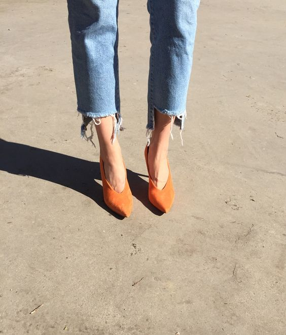 Pinch Me Orange v-cut pumps by Jennie Ellen, Sweden